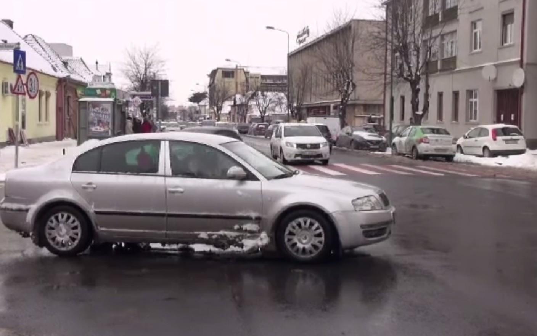 Legea există în România de ani de zile, dar puţini ştiu de ea! Ce trebuie să primească neapărat soferii loviți în trafic de la vinovați, în afară de asigurare: Sunt obligați să îți dea asta, până când mașina ta e gata